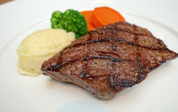 ジャクソンビーフステーキハウスでステーキ食べ比べ(京都・松井山手)