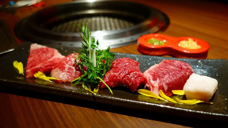 お初天神に美味しい焼肉屋さん「肉卸 萬野屋別邸」新店舗オープン
