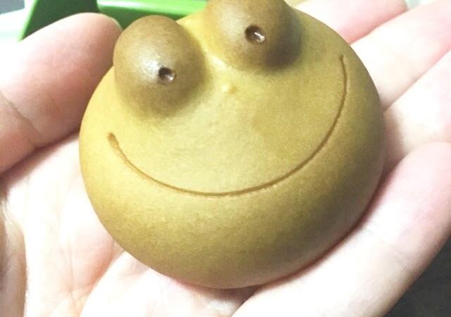 名古屋土産『青柳総本家のカエルまんじゅう』