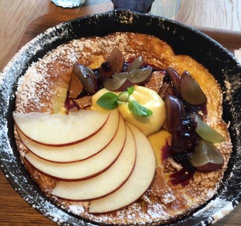 銀座プレイス3階コモン銀座 ラモフルータスカフェ【RAMO FRUTAS CAFE】フルーツのパンケーキ