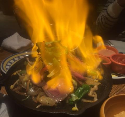 HOMELLA TEXACO CAFE AND TABLE(ホメラテキサコアンドテーブル)in錦糸町テルミナ5階〜ボジョレーとメキシコ料理を堪能〜