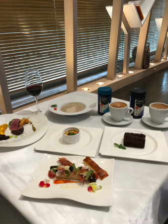 ネスカフェ香味焙煎インスタントコーヒー神の雫マリアージュ期間限定ディナーメニュー