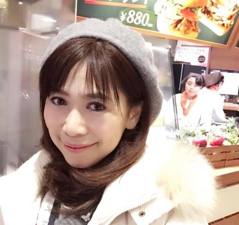 【軽井沢アウトレット】フードコート内「フラットブレッド」でグルメサンドイッチ♪