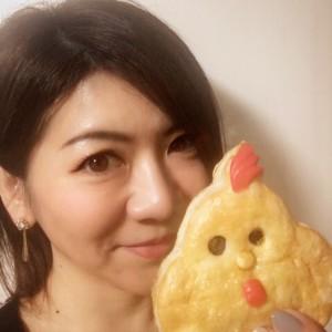 【フレッシュベーカリー神戸屋】毎年1月限定の干支パイ!今年は福をとりこむ「こっこちゃん」