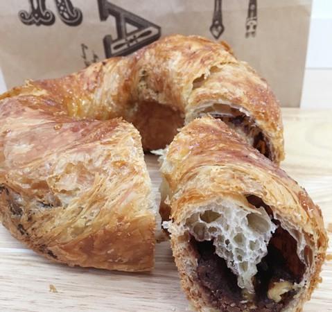 【銀座パン屋さん】「アンティーク銀座本店」絶品チョコリング&極上チーズフランス♪